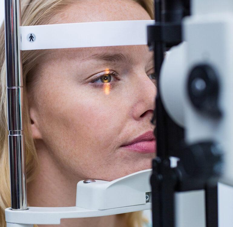 Netzhautuntersuchungen zum Erhalt der Sehschärfe. Retinopathien – Erkrankungen der Netzhaut behandeln. Die Augenarztpraxis Michaelis bietet Einsatz modernster Technologien.